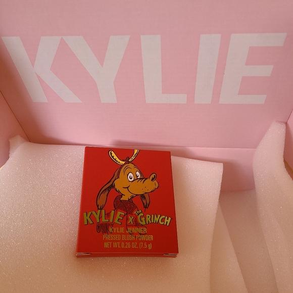 Kylie X Grinch